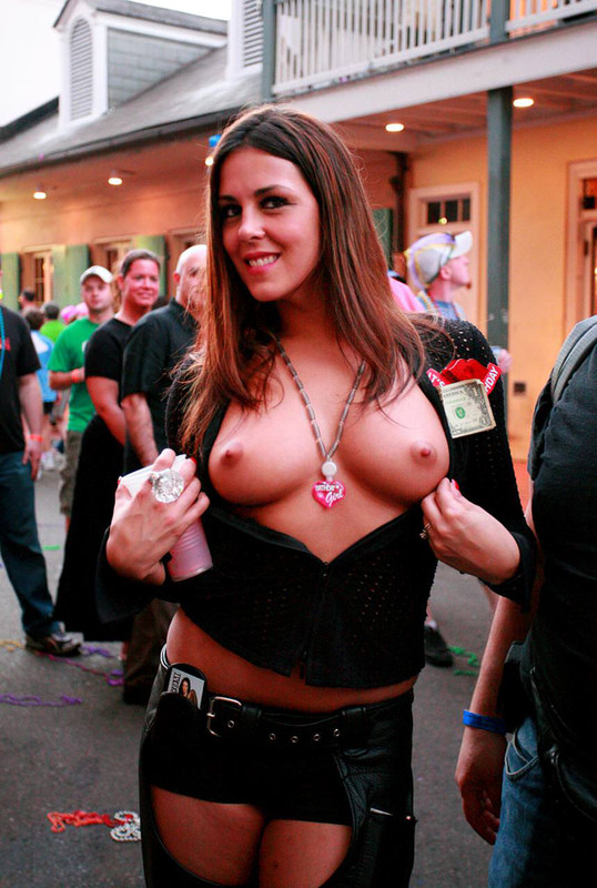 flashing her tits
