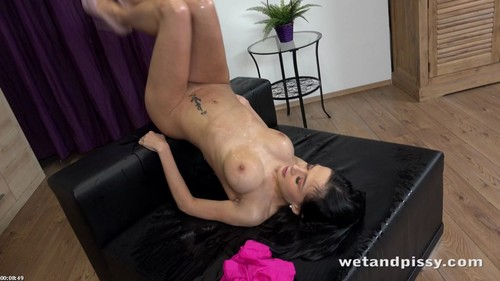 Nicol Love - Wet And Playful [FullHD/1080p]