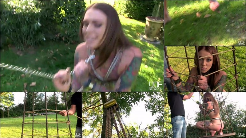 Lauren - Girl in the Cage [HD 720p]