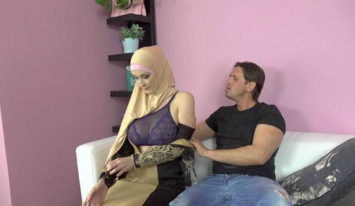 Isabella Lui - Sex With Muslims [FullHD/1920p]