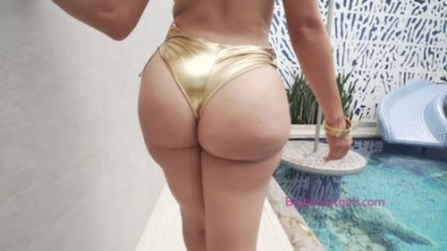 Bella De La Fuente - New Year Booty Banging Bella