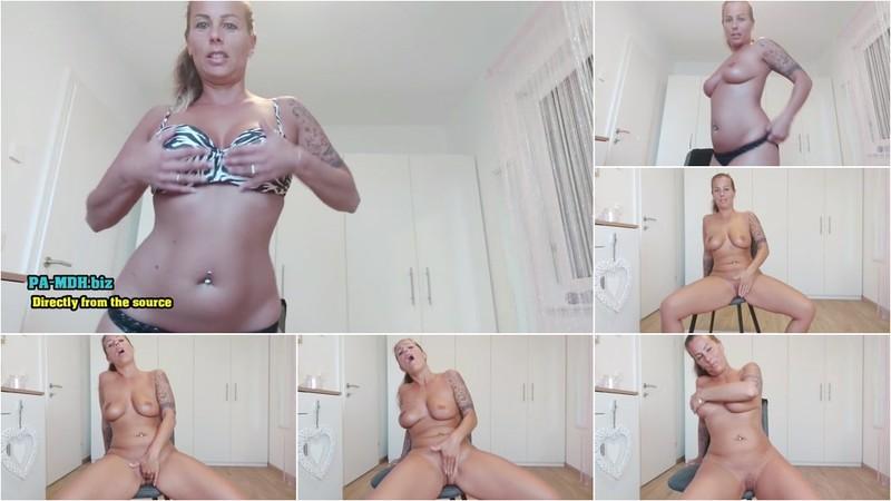 KatyQueen - Sexy Bikini Rollenspiel Video [FullHD 1080P]