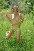 Mak Green Grass (2020-04-25)