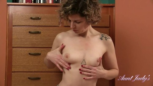 Tess Stretching, Stripping, Pussy Rubbing [HD]