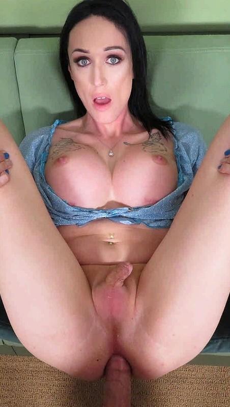 Rachel Rexxx Busty Beauty Is Disinterested But Horny (27 April 2020)
