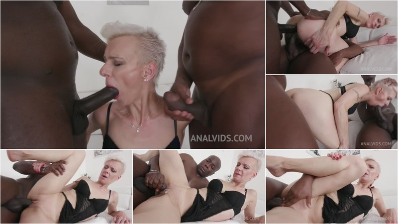 Espere has kinky anal sex with black bulls KS045 (720P/mp4/1.09 GB/HD)