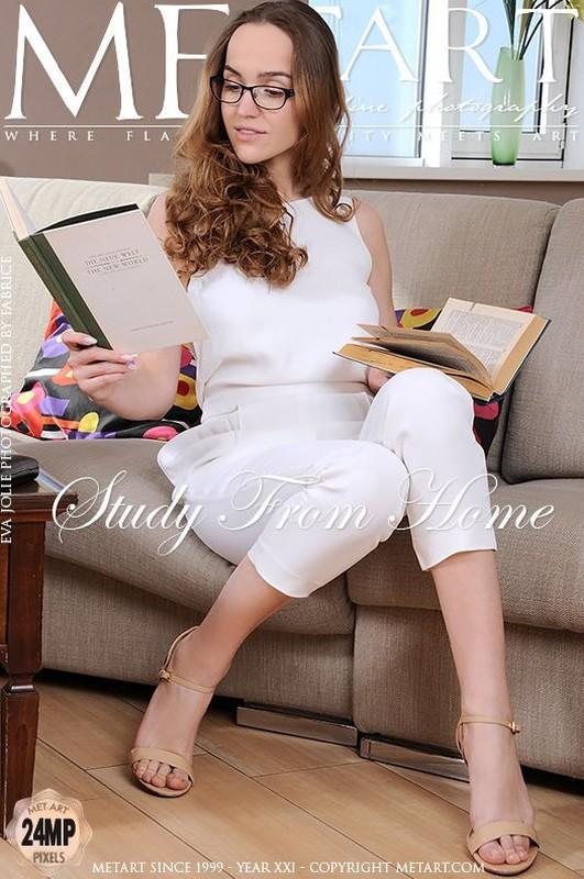 Eva Jolie - Study From Home (28.04.2020)
