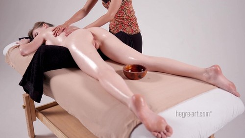 16 Hands Erotic Massage [SD]