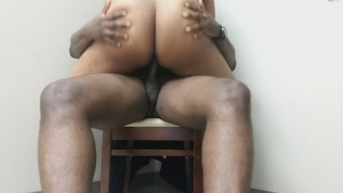 Amateurs - I Sit On My Chair And Let Her Play With My Big Black Cock (HD)