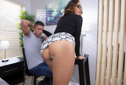 My Big Butt Stepmom 3 [FullHD]