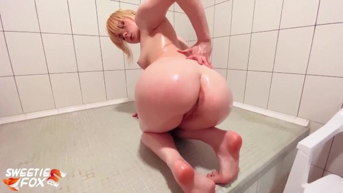 SweetieFox - Teen Big Ass Anal Masturbation Glass Toy And Fingering Pussy Orgasm [FullHD/1080p]
