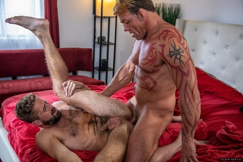 IconMale - Putting On A Show: Wesley Woods, Tristan Brazer Bareback (May 7)