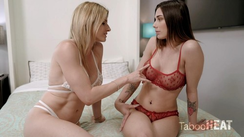 Cory Chase, Lexxi Steele - Step-Daughter Asks Who Is Tighter (2020/FullHD)
