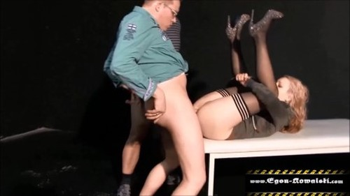 piss on young girl 1080p - New Pissing Video, Urina