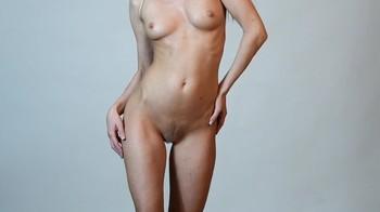 Naked Glamour Model Sensation  Nude Video - Page 6 Vu6j8p38zwqw