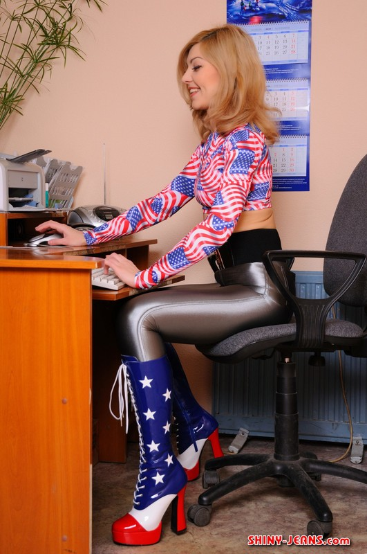american secretary girl Mary in naughty wetlook pants