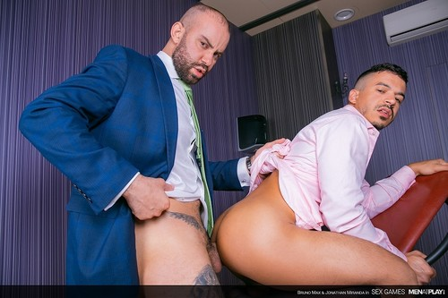 MenAtPlay - Sex Games: Bruno Max, Jonathan Miranda Bareback (Jun 5)