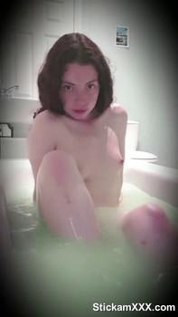 Having fun before my shower + piss play - Snapchat Girls