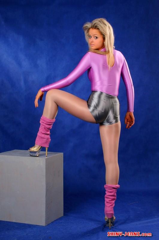 blonde chick Katya T in shorts, pantyhose & stilettos