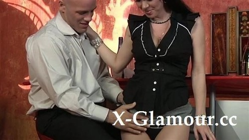 """Amateurs in """"Brunette Giving Head And Fucking"""" [HD]"""