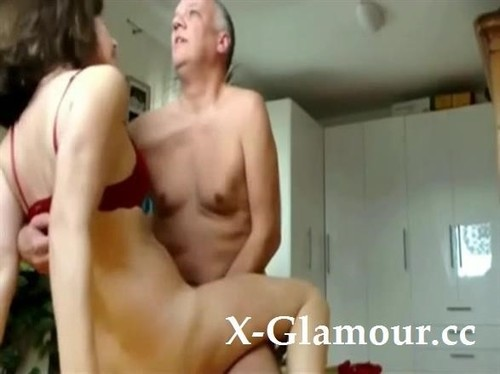 Amateurs - Mature Woman And Her New Fuck Buddy [SD/480p]