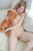 KISA - Teen And Toy (x162)