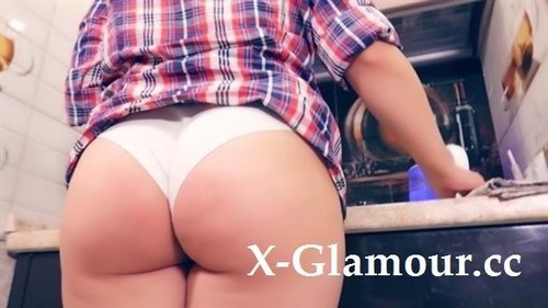 Young Milf In The Kitchen Can Not Only Cook [FullHD]