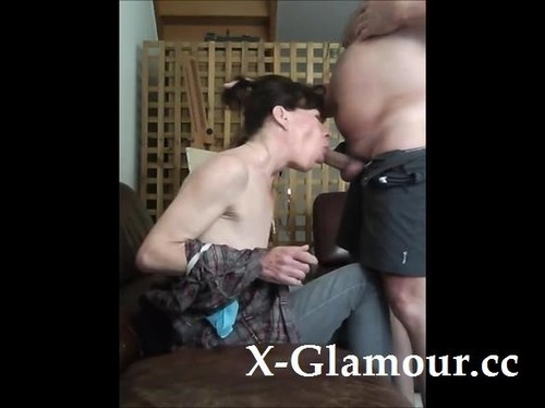 Brunette Milf Opens Her Mouth And Sucks A Fat Guys Cock [SD]