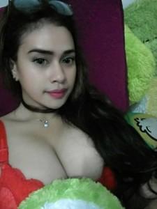 Koleksi Foto Telanjang Cewek Seksi Montok Pamer Toket Gede