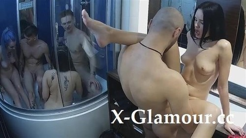 Amateur Group Sex In The Bathroom [FullHD]