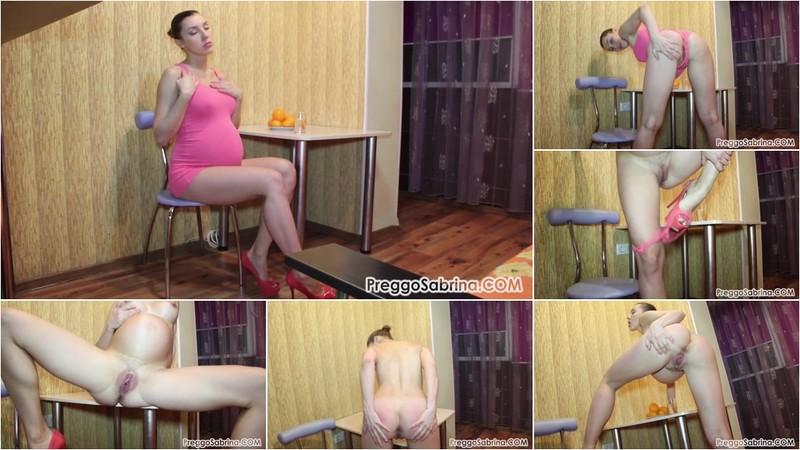 Sabrina - Giving You an Erotic Striptease! [FullHD 1080P]