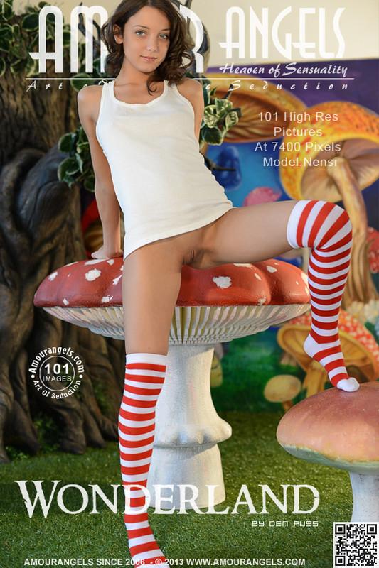 Nensi - Wonderland (x101)