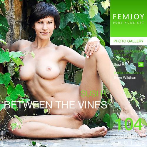 Susi - Between the vines (x104)