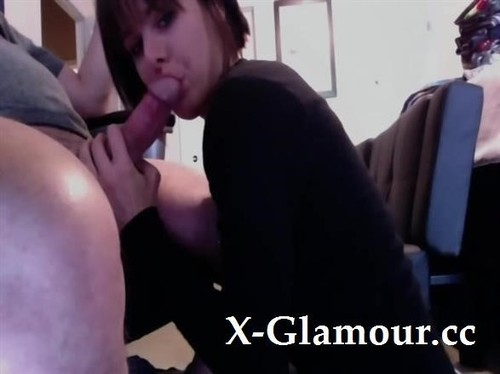 Amateurs - Girlfriend Down On Her Knees To Suck And Eat My Cum [SD/480p]