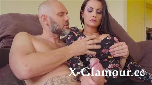 Bianka Blue - Chick Teases A Fat Cock