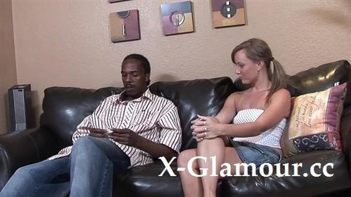 """Amateurs in """"First-Time Interracial Cunnilingus"""" [FullHD]"""