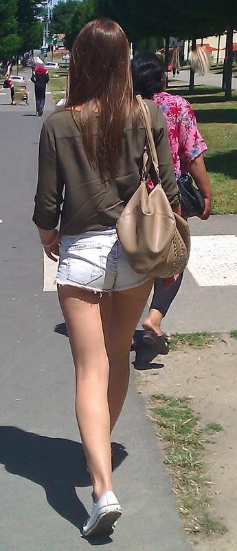 leggy college teen in denim hotpants