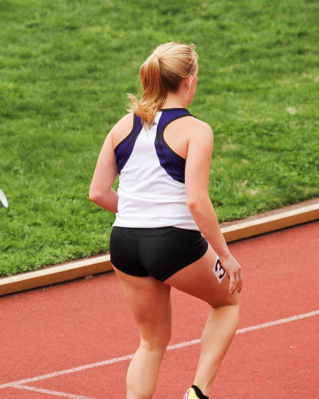 hot sprinter girl in candid shorts