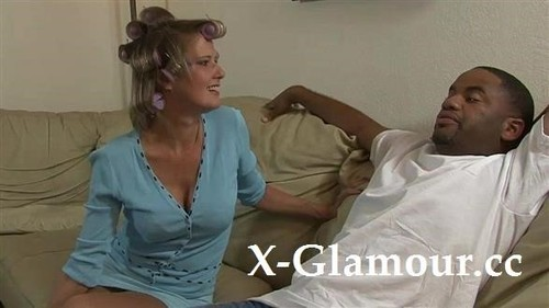 White Housewife Sucking Black Cock [HD]