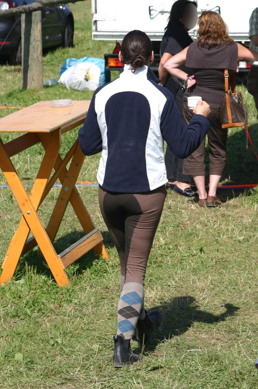 horse riding contest girls in pretty jodhpurs