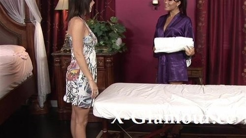 Amateurs - Teasing Lesbian Massage (HD)