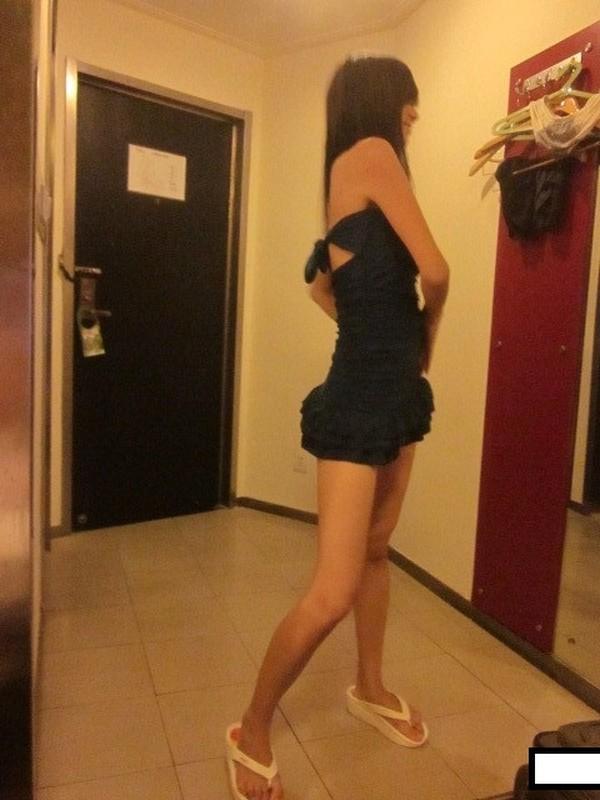 妖媚女友不讓我玩PS4發騷求刺激玩脫衣撲克遊戲無套爆操極品白嫩胴體騎乘風騷扭動大屌口爆吞精高清1080P原版