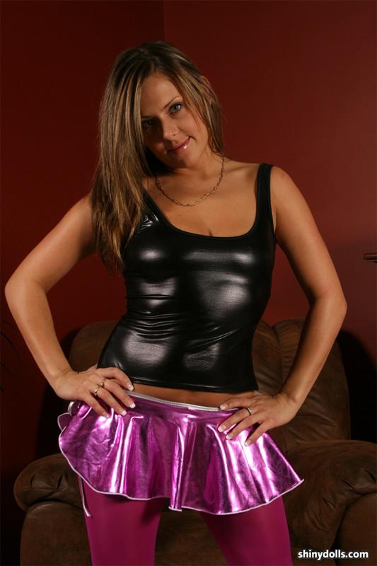 shiny doll Taylor in miniskirt & leggings
