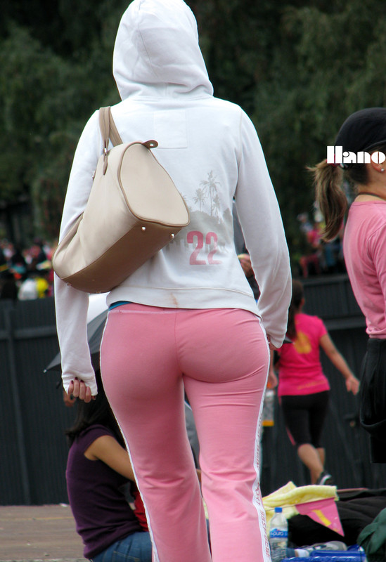 delicious lady in pink sweatpants