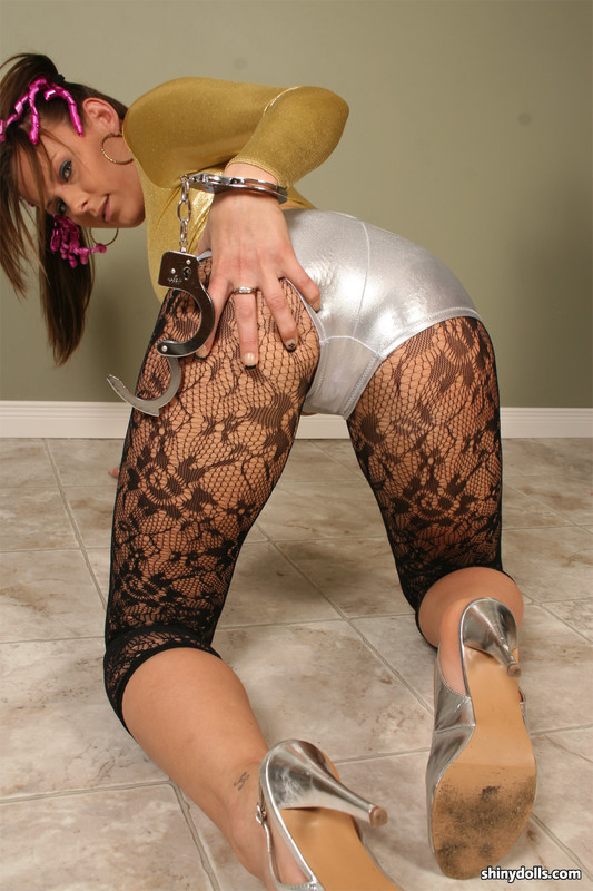shiny doll Taylor in candid outfit & handcuffs
