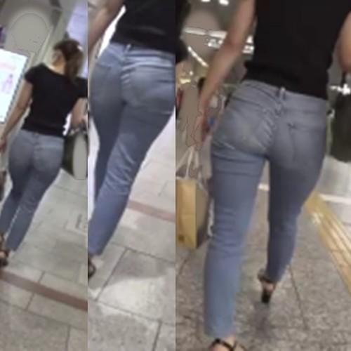 セクシーデニム2*歩くたびにパンツラインが食い込む爆尻お姉さん