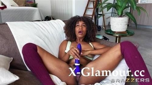 Jenna Foxx - Gaming Gets Jenna Horny (HD)