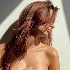 https://img250.imagetwist.com/th/37893/8gh2mwivufyb.jpg