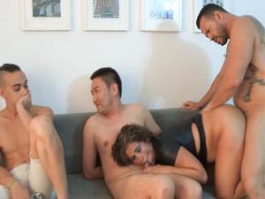 Fakings|Club Maduras - Mujer, sola y aburrida busca: Otro que le dé morcón, aunque no sea ibérico. (Carlitos nos ha salido algo bujarrón) [04-11-2020]