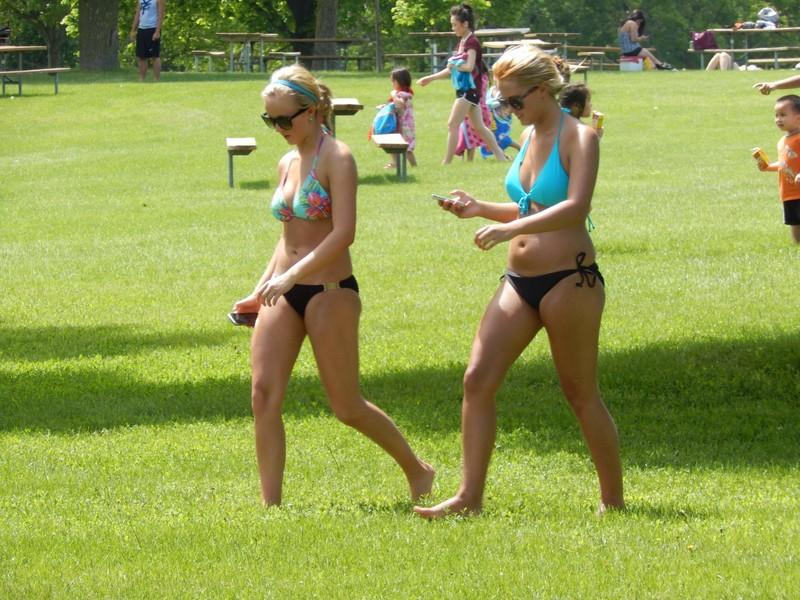 hot lesbian teens kinky bikini photos